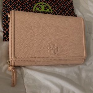Nude Tory Burch wallet - one size (NWT)